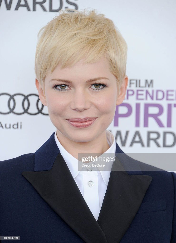 Actress <a gi-track='captionPersonalityLinkClicked' href=/galleries/search?phrase=Michelle+Williams+-+Actress&family=editorial&specificpeople=201698 ng-click='$event.stopPropagation()'>Michelle Williams</a> arrives at the 2012 Film Independent Spirit Awards at Santa Monica Pier on February 25, 2012 in Santa Monica, California.
