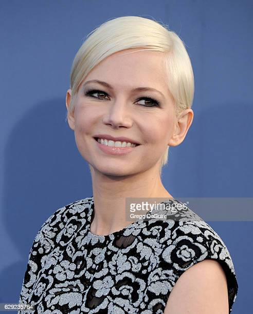Actress Michelle Williams arrives at The 22nd Annual Critics' Choice Awards at Barker Hangar on December 11 2016 in Santa Monica California