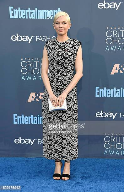 Actress Michelle Williams attends The 22nd Annual Critics' Choice Awards at Barker Hangar on December 11 2016 in Santa Monica California