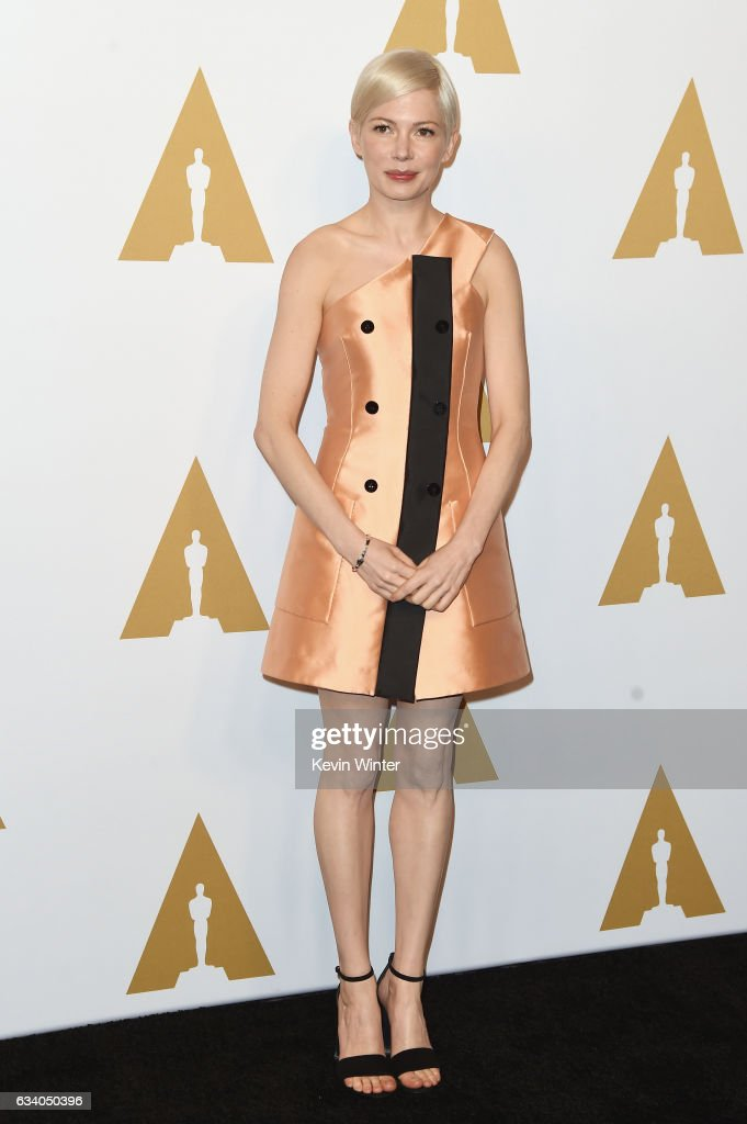 actress-michelle-williams-attends-the-89th-annual-academy-awards-at-picture-id634050396