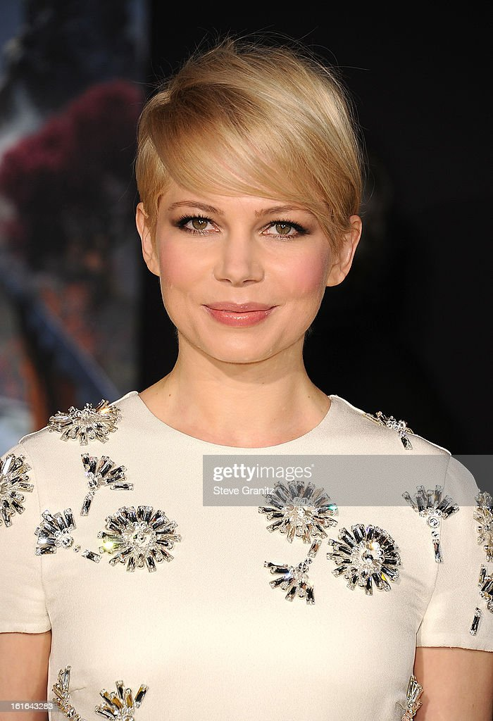 Actress Michelle Williams attends the world premiere of Disney's 'OZ The Great And Powerful' at the El Capitan Theatre on February 13, 2013 in Hollywood, California.