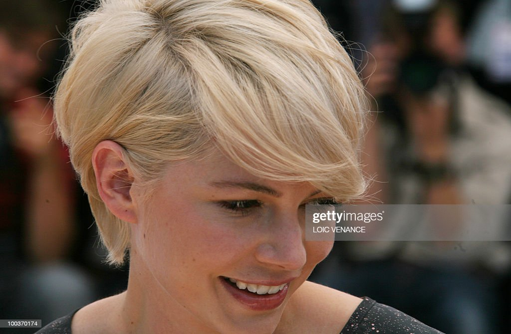 US actress Michelle Williams poses during the photocall of 'Blue Valentine' presented in the Un Certain Regard selection at the 63rd Cannes Film Festival on May 18, 2010 in Cannes.