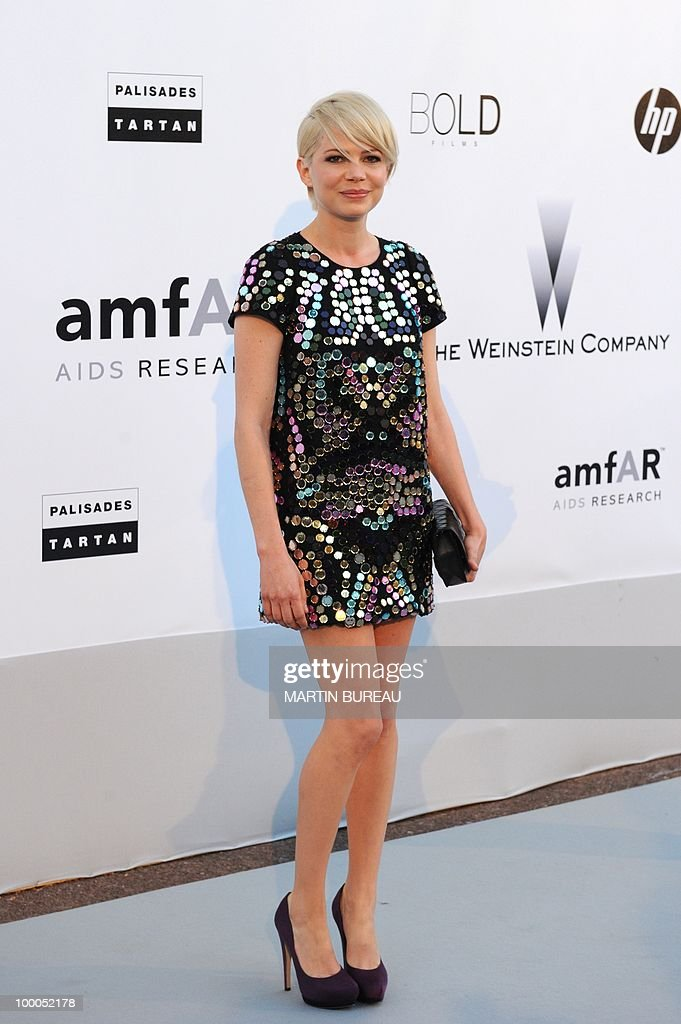 US actress Michelle Williams poses while arriving to attend the 2010 amfAR's Cinema Against Aids on May 20, 2010 in Antibes, southeastern France.