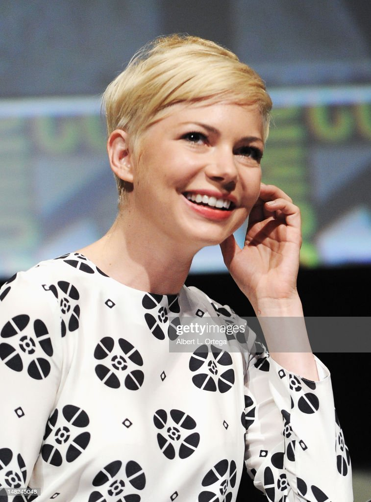 Actress <a gi-track='captionPersonalityLinkClicked' href=/galleries/search?phrase=Michelle+Williams+-+Actress&family=editorial&specificpeople=201698 ng-click='$event.stopPropagation()'>Michelle Williams</a> speaks at Walt Disney Studios: 'FrankenWeenie,' 'Oz The Great And Powerful' and 'Wreck It Ralph' Panels during Comic-Con International 2012 at San Diego Convention Center on July 12, 2012 in San Diego, California.