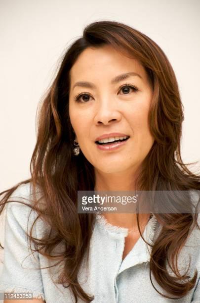 Michelle Yeoh Photos et images de collection