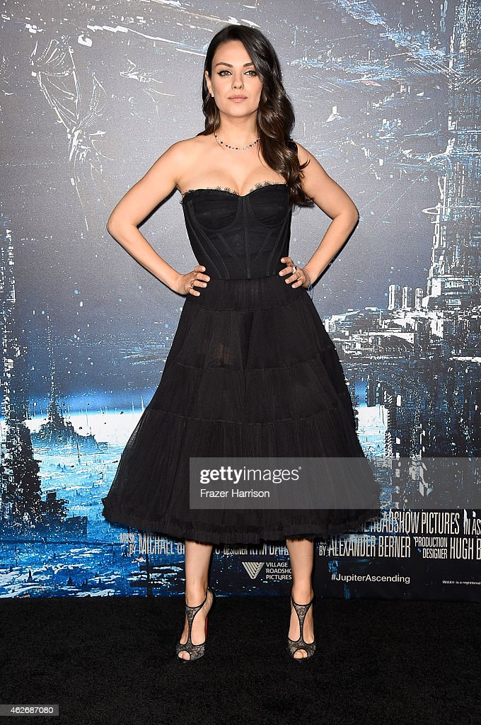 Actress <a gi-track='captionPersonalityLinkClicked' href=/galleries/search?phrase=Mila+Kunis&family=editorial&specificpeople=212845 ng-click='$event.stopPropagation()'>Mila Kunis</a> arrives at the Premiere of Warner Bros. Pictures' 'Jupiter Ascending' at TCL Chinese Theatre on February 2, 2015 in Hollywood, California.