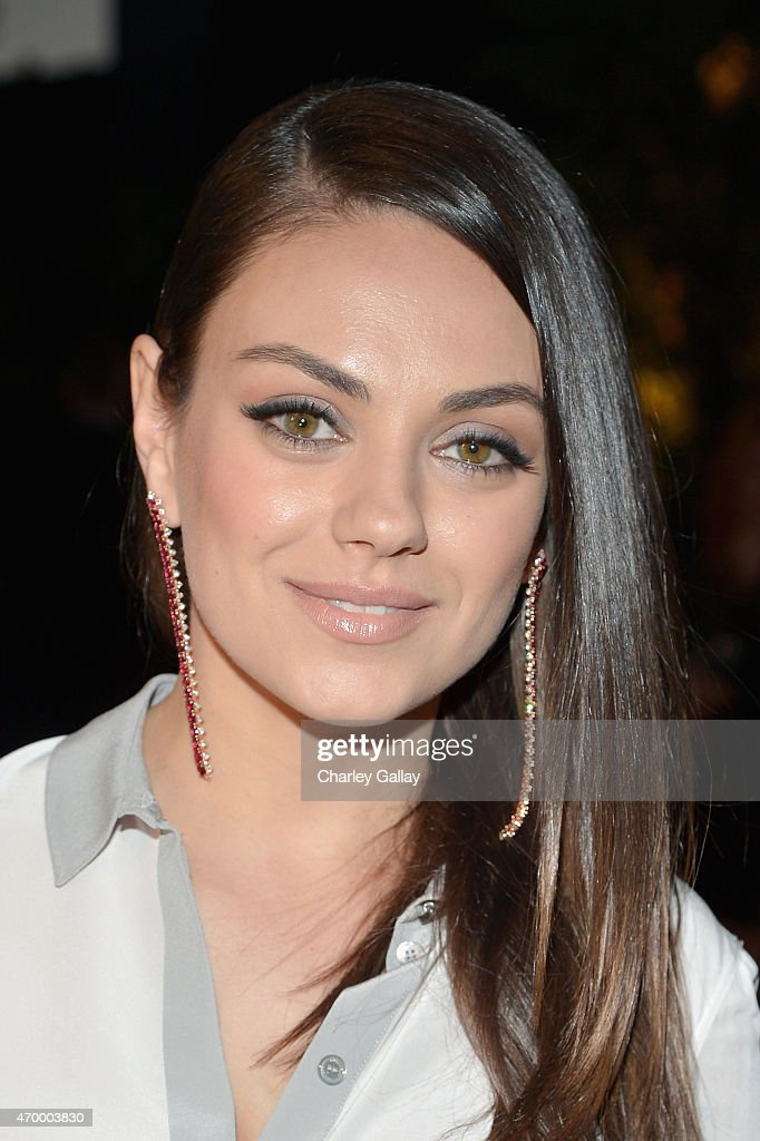 Actress <a gi-track='captionPersonalityLinkClicked' href=/galleries/search?phrase=Mila+Kunis&family=editorial&specificpeople=212845 ng-click='$event.stopPropagation()'>Mila Kunis</a> attends the Burberry 'London in Los Angeles' event at Griffith Observatory on April 16, 2015 in Los Angeles, California.