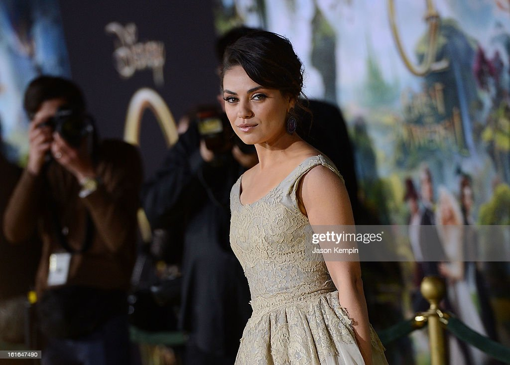 Actress <a gi-track='captionPersonalityLinkClicked' href=/galleries/search?phrase=Mila+Kunis&family=editorial&specificpeople=212845 ng-click='$event.stopPropagation()'>Mila Kunis</a> attends the premiere Of Walt Disney Pictures' 'Oz The Great And Powerful' at the El Capitan Theatre on February 13, 2013 in Hollywood, California.