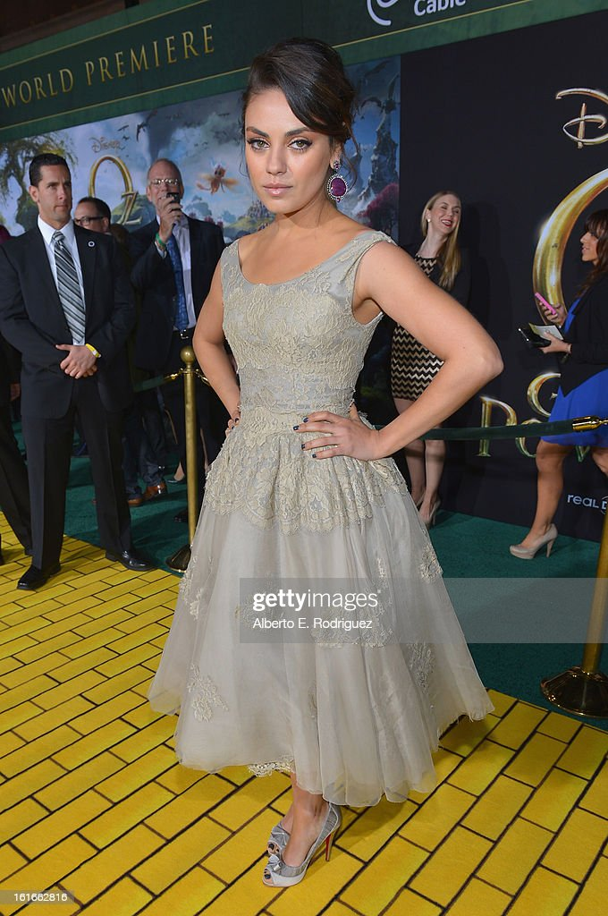 Actress <a gi-track='captionPersonalityLinkClicked' href=/galleries/search?phrase=Mila+Kunis&family=editorial&specificpeople=212845 ng-click='$event.stopPropagation()'>Mila Kunis</a> attends Walt Disney Pictures World Premiere of 'Oz The Great And Powerful' - Red Carpet at the El Capitan Theatre on February 13, 2013 in Hollywood, California.