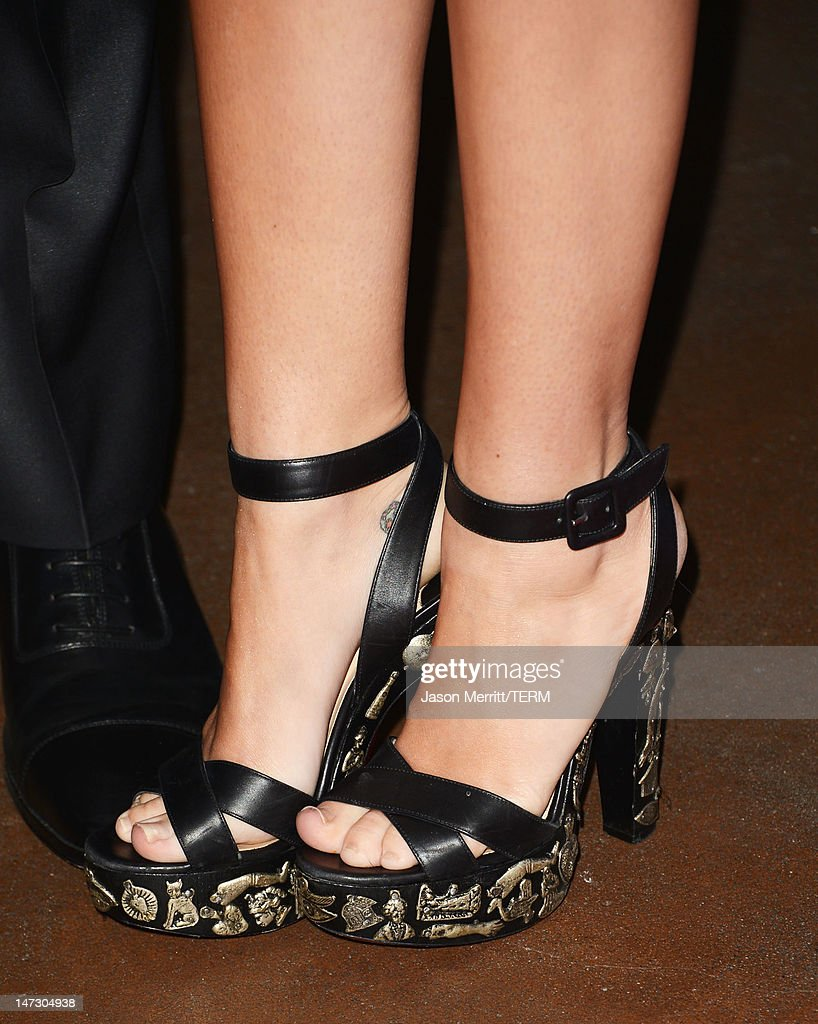 Actress Miley Cyrus (fashion detail) arrives at Australians In Film Awards & Benefit Dinner at InterContinental Hotel on June 27, 2012 in Century City, California.