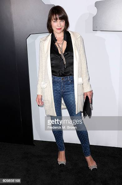 Actress Milla Jovovich attends Chanel Dinner Celebrating N 5 L'Eau at the Sunset Tower Hotel on September 22 2016 in West Hollywood California