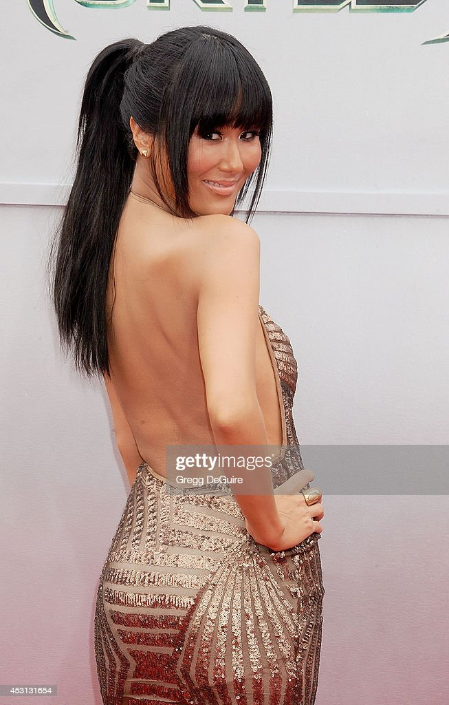 Actress <a gi-track='captionPersonalityLinkClicked' href=/galleries/search?phrase=Minae+Noji&family=editorial&specificpeople=2489216 ng-click='$event.stopPropagation()'>Minae Noji</a> arrives at the Los Angeles Premiere of 'Teenage Mutant Ninja Turtles' at Regency Village Theatre on August 3, 2014 in Westwood, California.