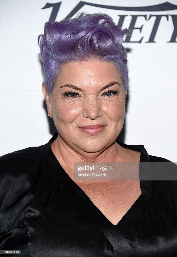 Mindy Cohn married, net worth, gay, lesbian, measurements, age ...
