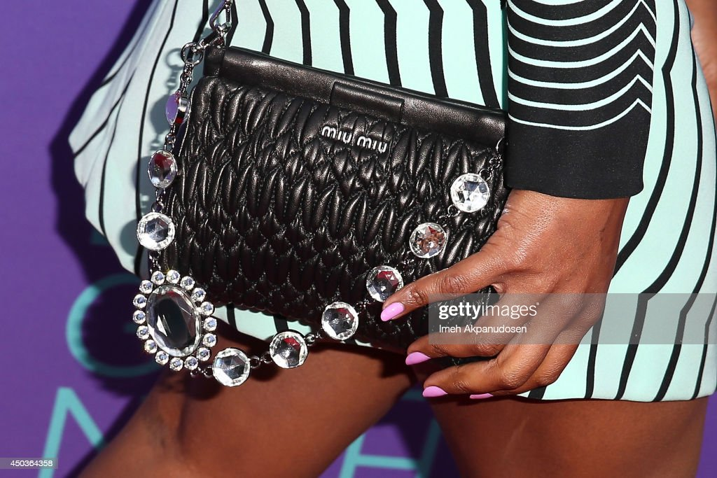 Actress Mindy Kaling (purse detail) attends Fox's 'Girls Night Out' at Leonard H. Goldenson Theatre on June 9, 2014 in North Hollywood, California.
