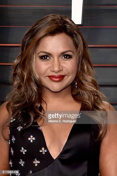 Actress Mindy Kaling attends the 2016 Vanity Fair Oscar Party hosted By Graydon Carter at Wallis Annenberg Center for the Performing Arts on February...