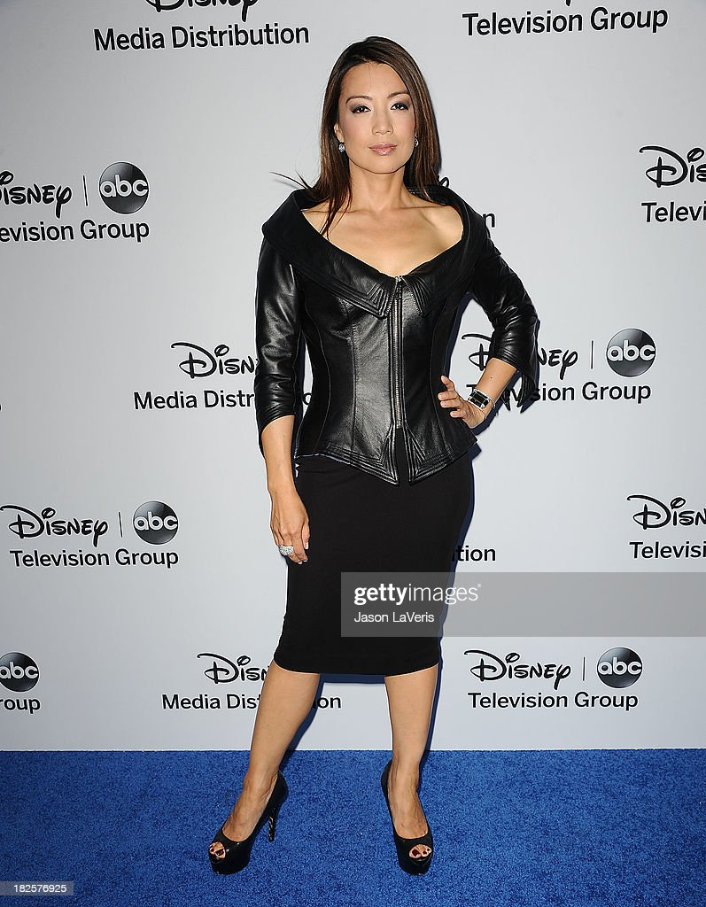 Actress <a gi-track='captionPersonalityLinkClicked' href=/galleries/search?phrase=Ming-Na&family=editorial&specificpeople=630343 ng-click='$event.stopPropagation()'>Ming-Na</a> Wen attends the Disney Media Networks International Upfronts at Walt Disney Studios on May 19, 2013 in Burbank, California.