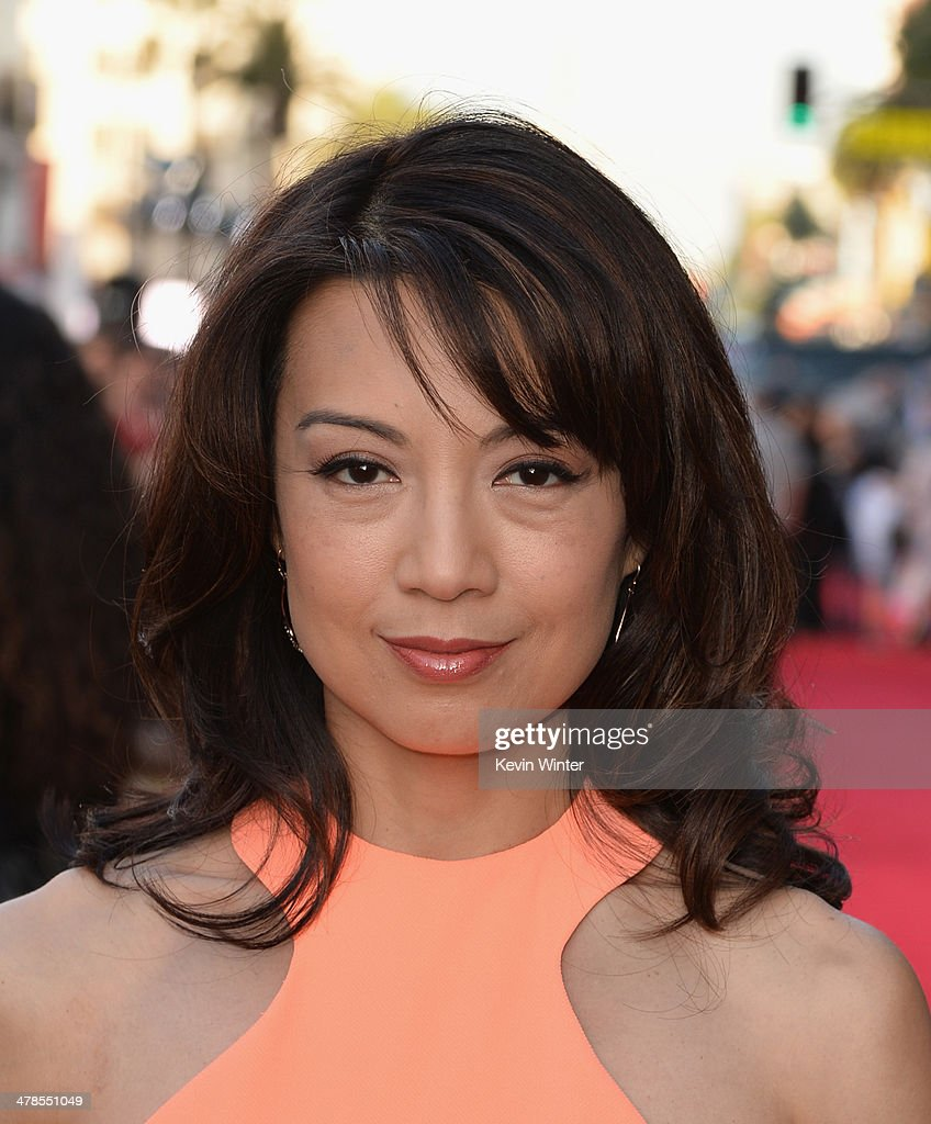 Actress <a gi-track='captionPersonalityLinkClicked' href=/galleries/search?phrase=Ming-Na&family=editorial&specificpeople=630343 ng-click='$event.stopPropagation()'>Ming-Na</a> Wen attends the premiere of Marvel's 'Captain America: The Winter Soldier' at the El Capitan Theatre on March 13, 2014 in Hollywood, California.