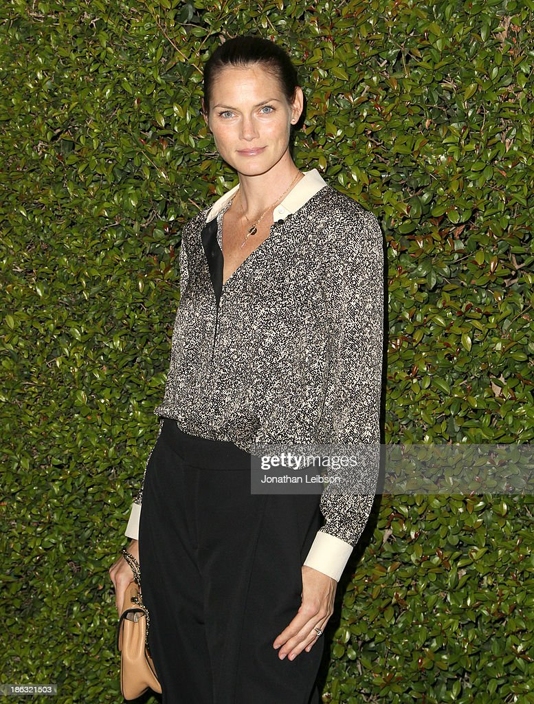 Actress <a gi-track='captionPersonalityLinkClicked' href=/galleries/search?phrase=Mini+Anden&family=editorial&specificpeople=718422 ng-click='$event.stopPropagation()'>Mini Anden</a> attends Chloe Los Angeles Fashion Show & Dinner hosted by Clare Waight Keller, January Jones and Lisa Love on October 29, 2013 in Los Angeles, California.