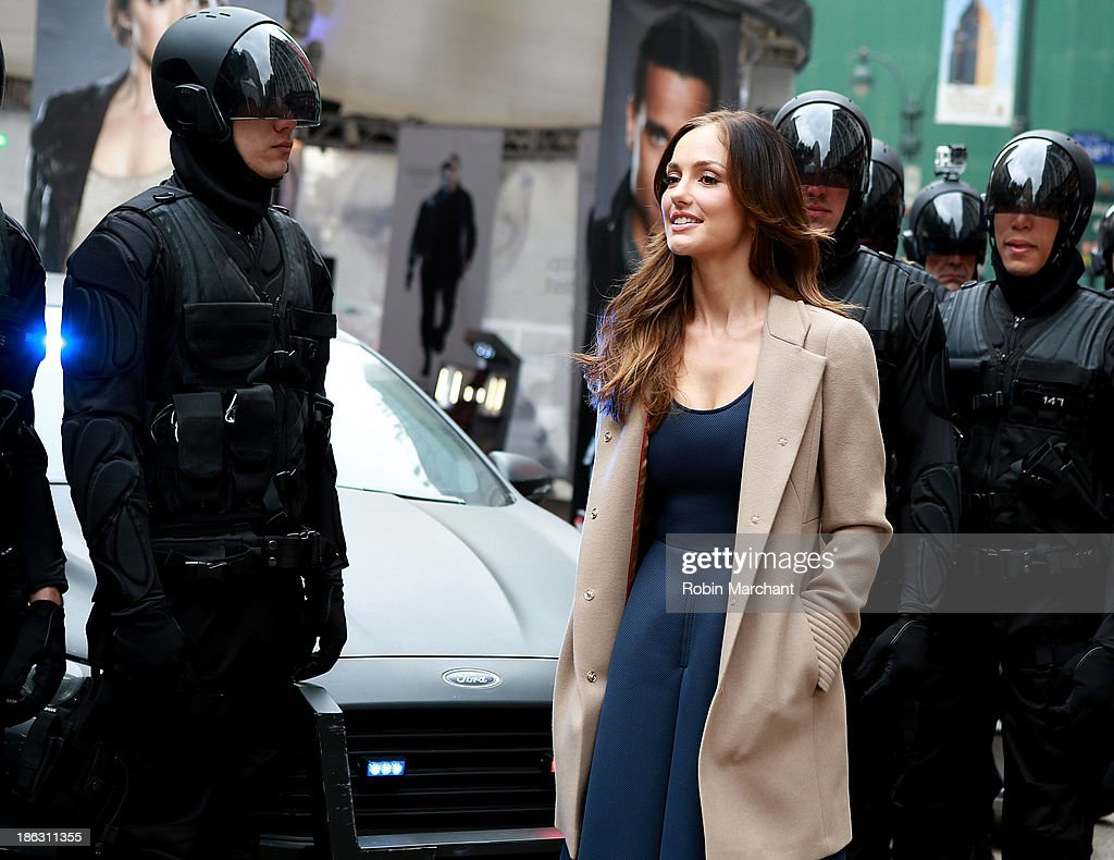Actress <a gi-track='captionPersonalityLinkClicked' href=/galleries/search?phrase=Minka+Kelly&family=editorial&specificpeople=632847 ng-click='$event.stopPropagation()'>Minka Kelly</a> attends FOX's 'Almost Human-hattan' experience at Herald Square on October 30, 2013 in New York City.