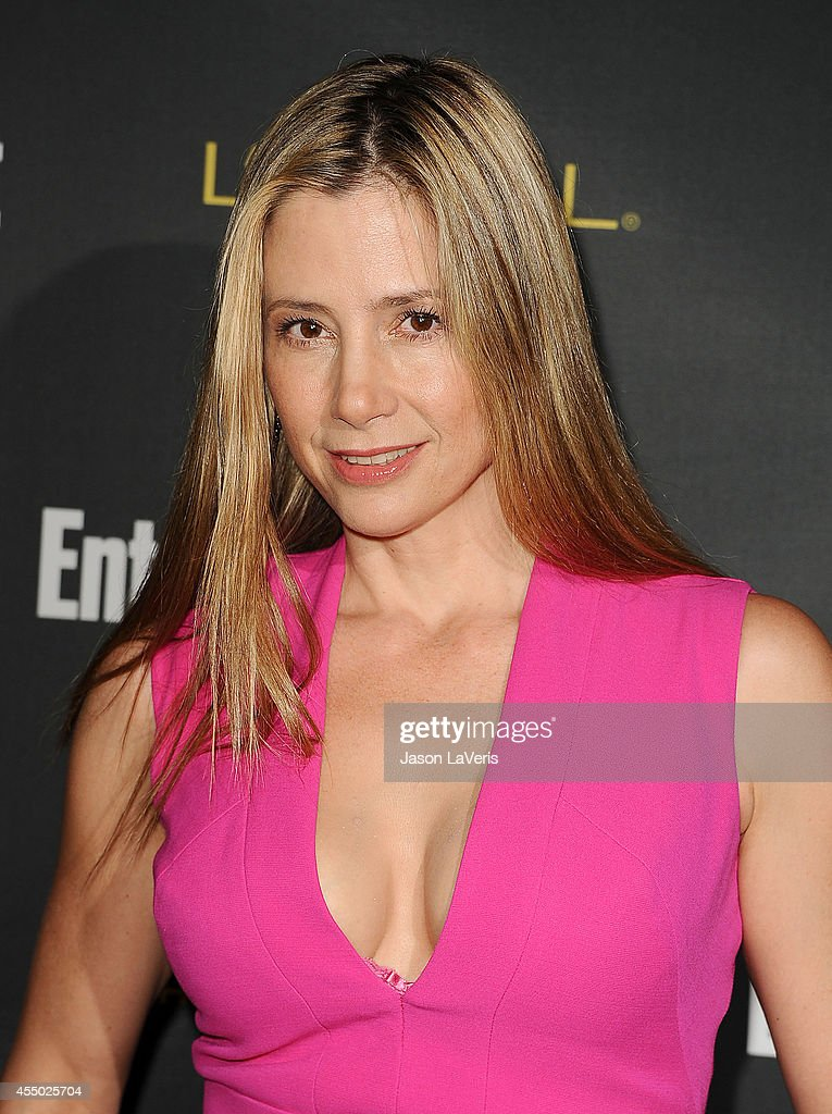 Actress <a gi-track='captionPersonalityLinkClicked' href=/galleries/search?phrase=Mira+Sorvino&family=editorial&specificpeople=203143 ng-click='$event.stopPropagation()'>Mira Sorvino</a> attends the 2014 Entertainment Weekly pre-Emmy party at Fig & Olive Melrose Place on August 23, 2014 in West Hollywood, California.
