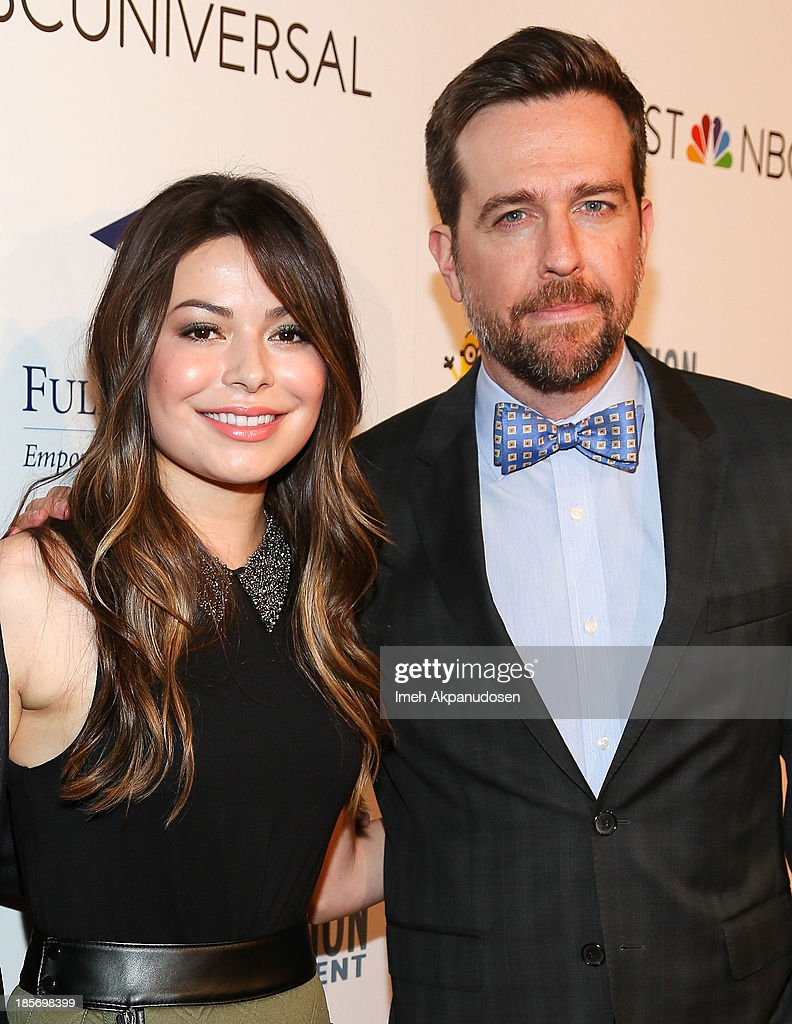 Actress <a gi-track='captionPersonalityLinkClicked' href=/galleries/search?phrase=Miranda+Cosgrove&family=editorial&specificpeople=709215 ng-click='$event.stopPropagation()'>Miranda Cosgrove</a> (L) and actor <a gi-track='captionPersonalityLinkClicked' href=/galleries/search?phrase=Ed+Helms&family=editorial&specificpeople=662337 ng-click='$event.stopPropagation()'>Ed Helms</a> attend the STARS 2013 Benefit Gala By The Fulfillment Fund at The Beverly Hilton Hotel on October 23, 2013 in Beverly Hills, California.