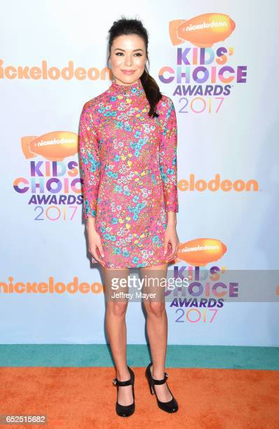 Actress Miranda Cosgrove arrives at the Nickelodeon's 2017 Kids' Choice Awards at USC Galen Center on March 11 2017 in Los Angeles California