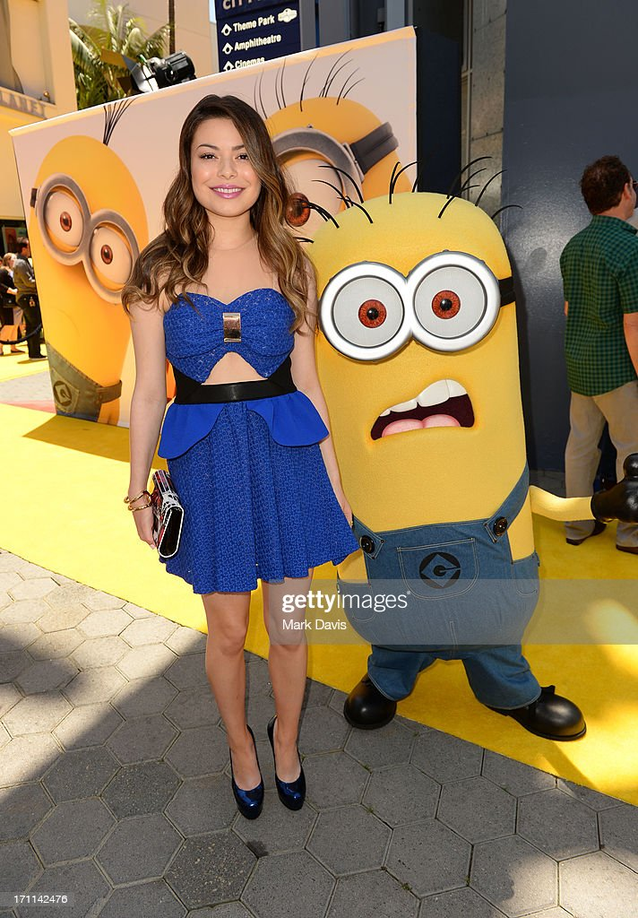 Actress Miranda Cosgrove (L) arrives at the premiere of Universal Pictures' 'Despicable Me 2' at Gibson Amphitheatre on June 22, 2013 in Universal City, California.
