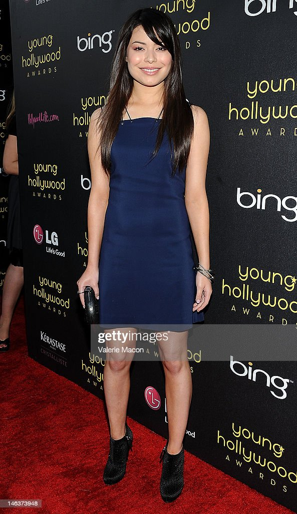 Actress Miranda Cosgrove arrives at the Young Hollywood Awards at Hollywood Athletic Club on June 14, 2012 in Hollywood, California.