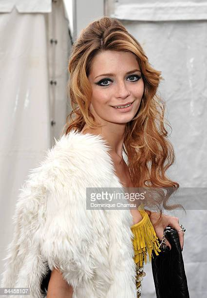 Actress Mischa Barton attends the Christian Dior fashion show during Paris Fashion Week Haute Couture Spring/Summer 2009 at Musee Rodin on January 26...