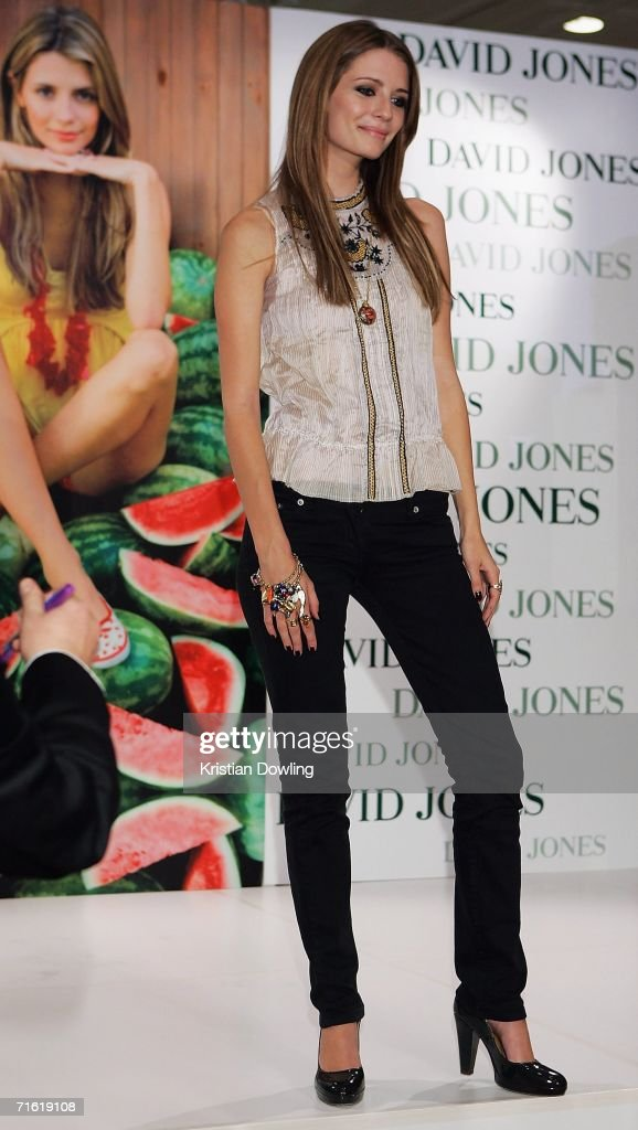 Actress Mischa Barton attends the David Jones Melbourne Summer 2006 Collections Launch at the David Jones store on Bourke Street on August 10 2006 in...