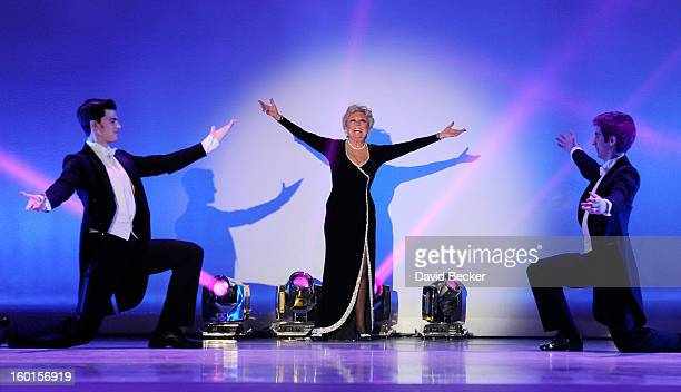 Mitzi Gaynor Stock Photos and Pictures | Getty Images
