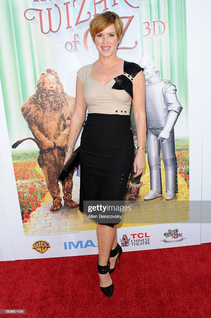 Actress <a gi-track='captionPersonalityLinkClicked' href=/galleries/search?phrase=Molly+Ringwald&family=editorial&specificpeople=206508 ng-click='$event.stopPropagation()'>Molly Ringwald</a> arrives at the world premiere of 'The Wizard Of Oz 3D' and grand opening of the new TCL Chinese Theatre IMAX at TCL Chinese Theatre on September 15, 2013 in Hollywood, California.