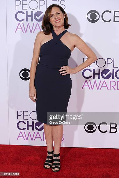 Actress Molly Shannon arrives at the 2017 People's Choice Awards at Microsoft Theater on January 18 2017 in Los Angeles California