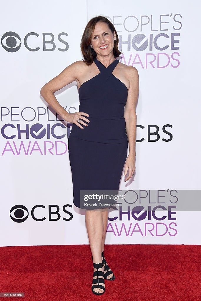 actress-molly-shannon-attends-the-peoples-choice-awards-2017-at-on-picture-id632013180