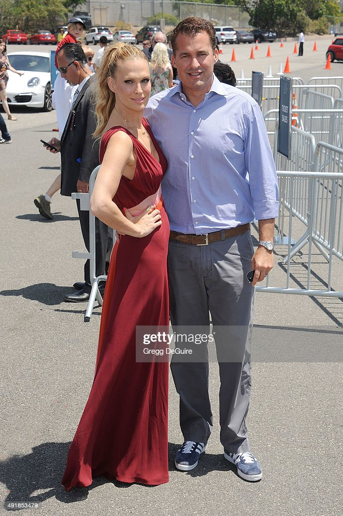 Actress Molly Sims and husband Scott Stuber arrive at the Ovarian Cancer Research Fund's Inaugural Super Saturday LA event at Barker Hangar on May 17...