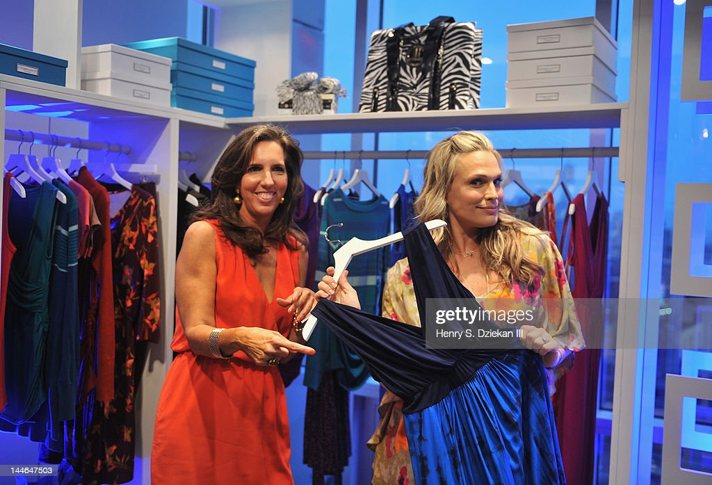 Actress <a gi-track='captionPersonalityLinkClicked' href=/galleries/search?phrase=Molly+Sims&family=editorial&specificpeople=202547 ng-click='$event.stopPropagation()'>Molly Sims</a> (R) and Target maternity wear designer Liz Lange attend Liz Lange for Target 10th Anniversary Party at The Glasshouses on May 16, 2012 in New York City.