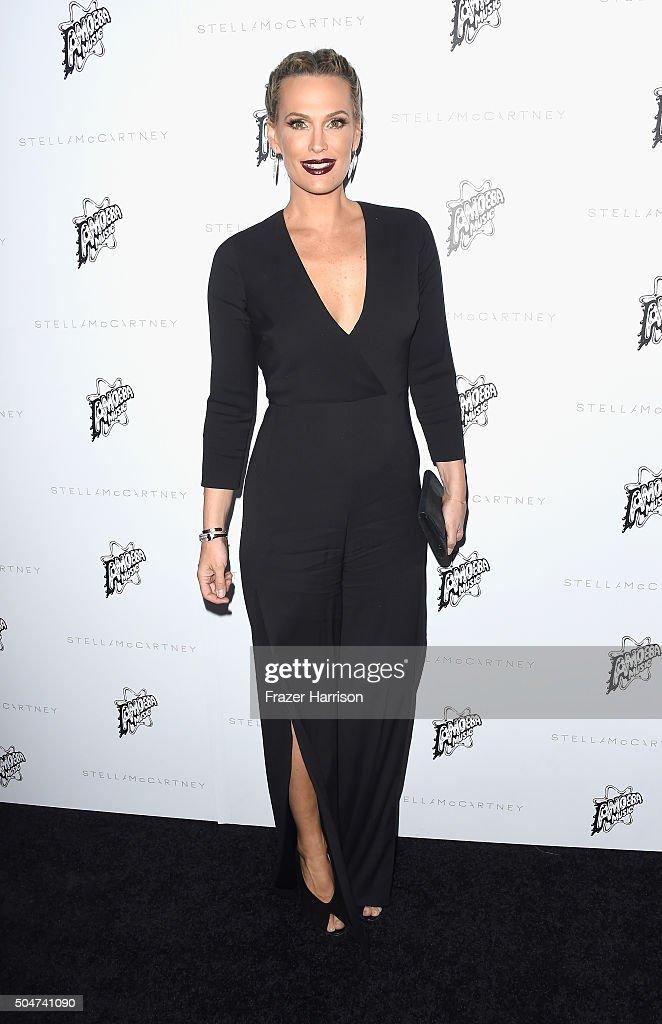 Actress Molly Sims arrives at Stella McCartney Autumn 2016 Presentation at Amoeba Music on January 12, 2016 in Los Angeles, California.