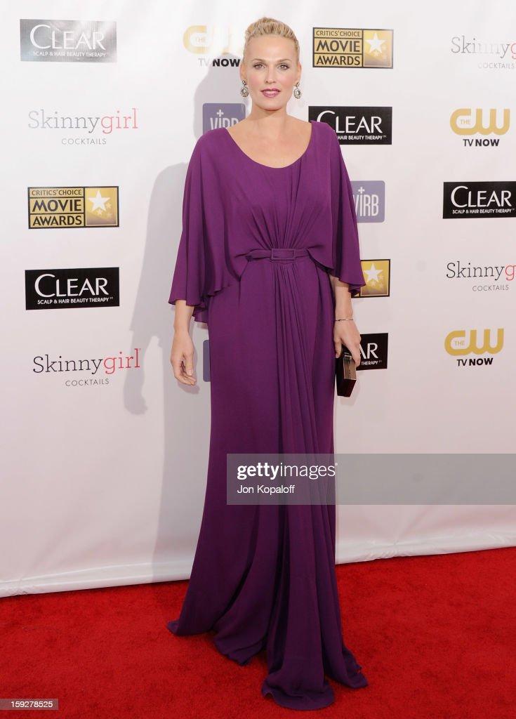 Actress Molly Sims arrives at the 18th Annual Critics' Choice Movie Awards at Barker Hangar on January 10, 2013 in Santa Monica, California.