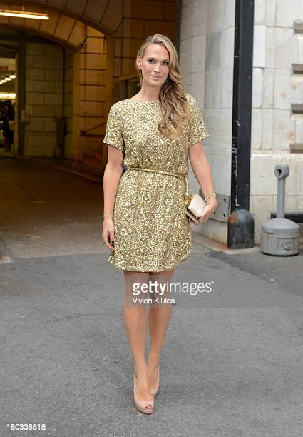 Actress Molly Sims arrives at the Marchesa runway show during MercedesBenz Fashion Week Spring 2014 at The New York Public Library on September 11...