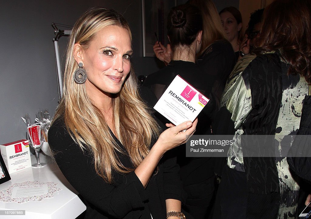 Actress <a gi-track='captionPersonalityLinkClicked' href=/galleries/search?phrase=Molly+Sims&family=editorial&specificpeople=202547 ng-click='$event.stopPropagation()'>Molly Sims</a> attends a holiday party prep event, offering tips on her favorite beauty must-haves this holiday season at BLOW on November 28, 2012 in New York City.