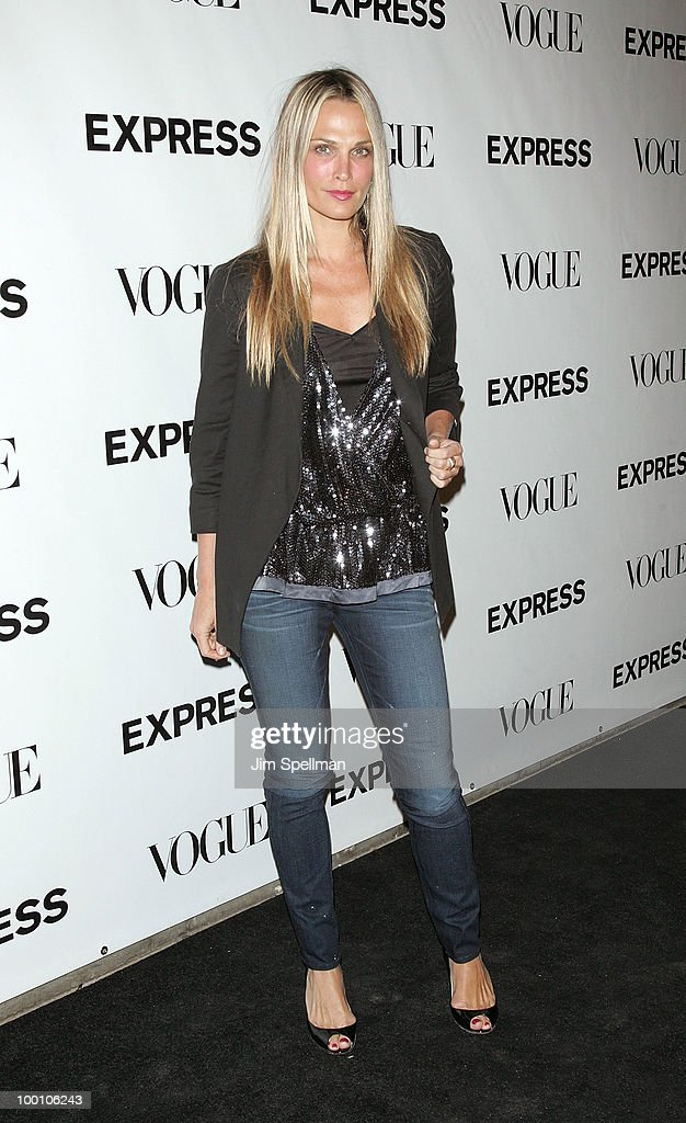 Actress Molly Sims attends the EXPRESS 30th anniversary party at Eyebeam on May 20, 2010 in New York City.