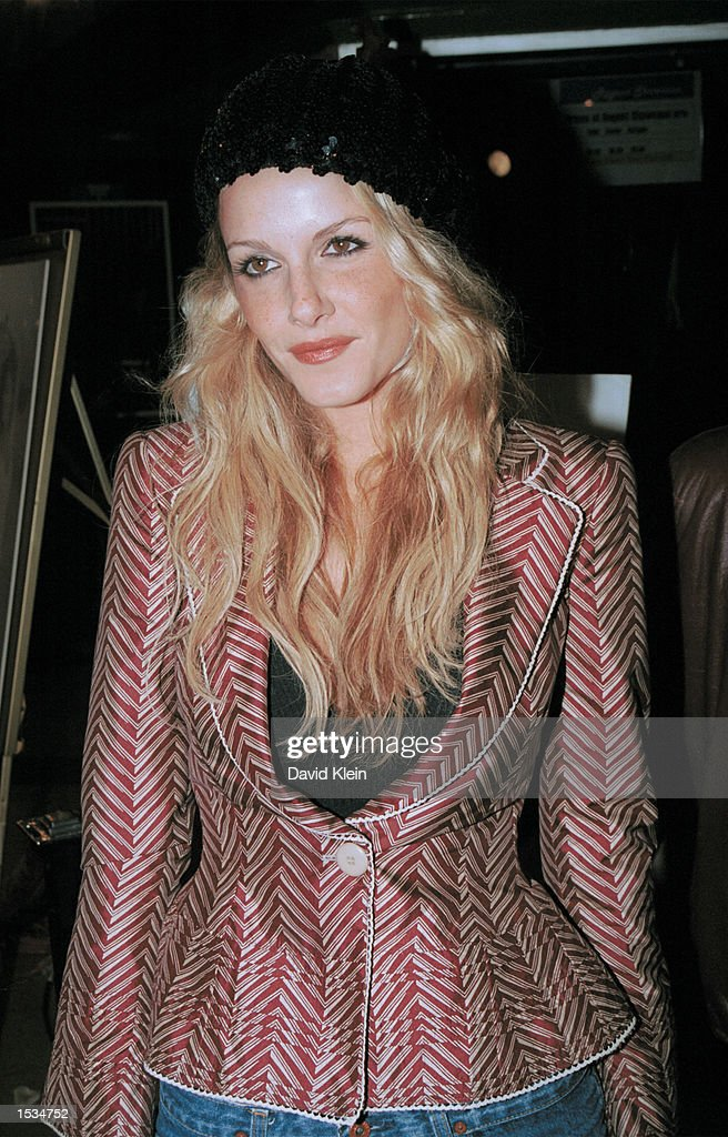 Actress Monet Mazur arrives at the premiere of 'Kiss the Bride' at the Showcase Regent Theatre October 23, 2002 in Los Angeles, California.