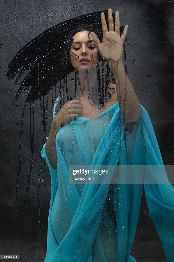 Actress <a gi-track='captionPersonalityLinkClicked' href=/galleries/search?phrase=Monica+Bellucci&family=editorial&specificpeople=204777 ng-click='$event.stopPropagation()'>Monica Bellucci</a> poses for Paris Match Magazine. Published image.