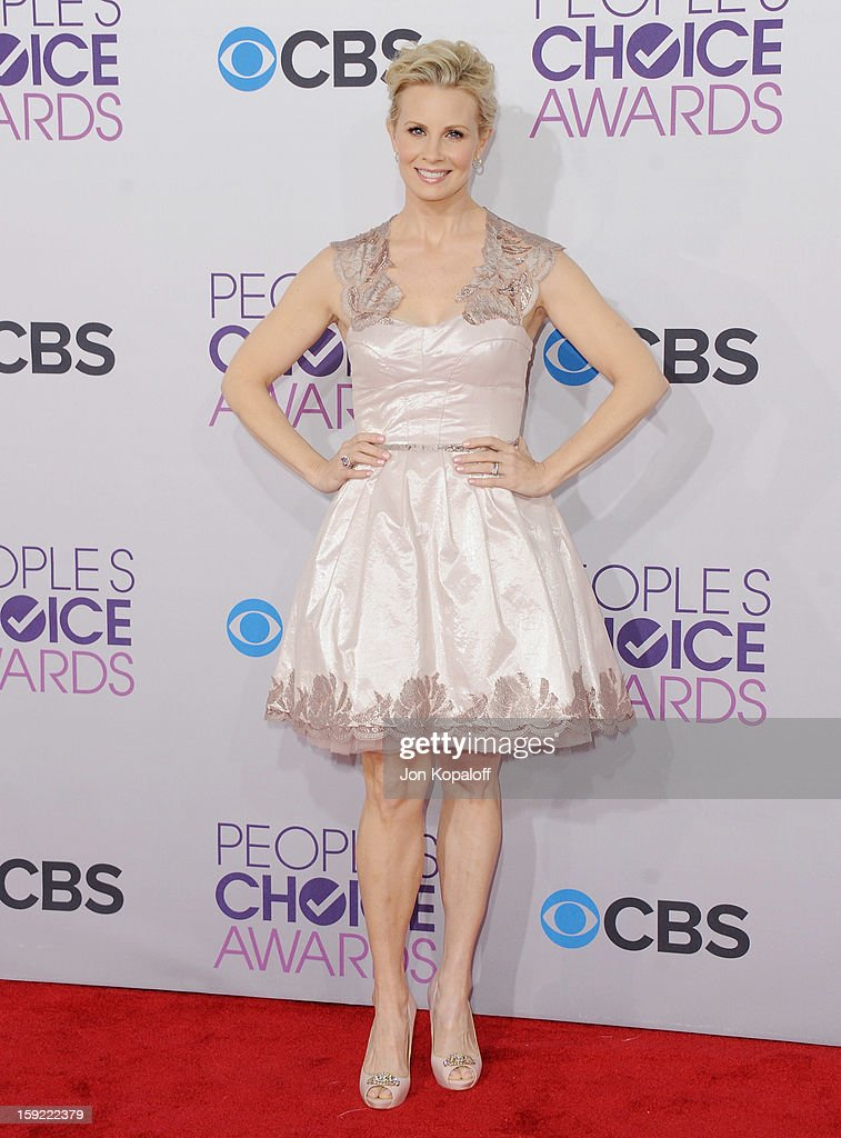 Actress Monica Potter arrives at the 2013 People's Choice Awards at Nokia Theatre L.A. Live on January 9, 2013 in Los Angeles, California.