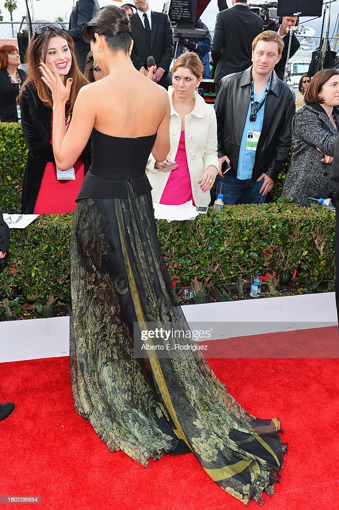 Actress Morena Baccarin arrives at the 19th Annual Screen Actors Guild Awards held at The Shrine Auditorium on January 27, 2013 in Los Angeles, California.