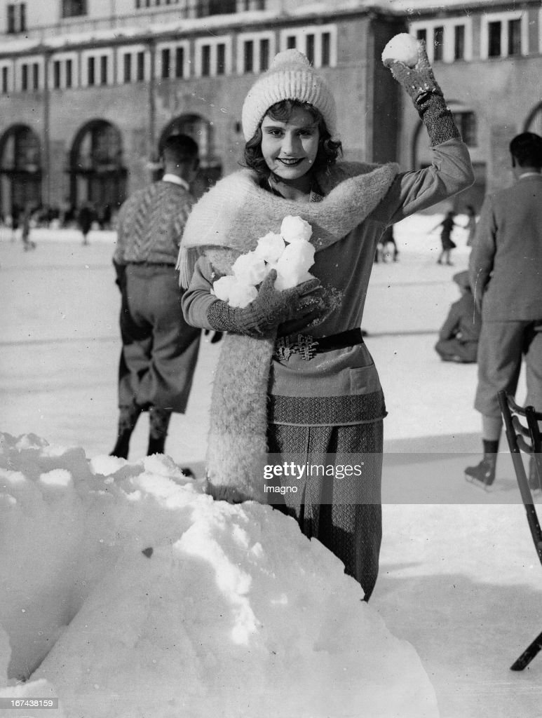 Actress Mulino Kluck (granddaughter of General Alexander von Kluck) on holiday in St. Moritz in Switzerland. Photograph. About 1930. (Photo by Imagno/Getty Images) Schauspielerin Mulino von Kluck (Enkelin des Generals Alexander von Kluck) auf Urlaub in St. Moritz in der Schweiz. Photographie. Um 1930.