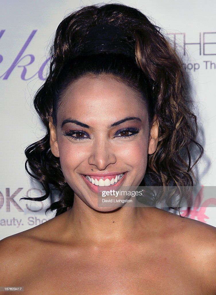 Actress Nadia Dawn attends the Fredric Fekkai Salon Holiday Party at Frederic Fekkai Hair Salon on December 4, 2012 in West Hollywood, California.
