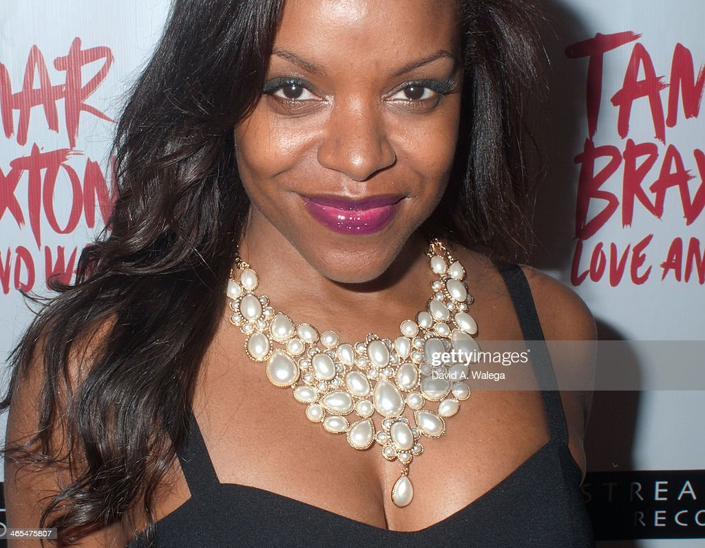 Actress Nadine Ellis arrives (accessorie Detail) at Xen Lounge for a Night To Celebrate Tamar Braxton's GRAMMY Nominations on January 26, 2014 in Los Angeles, California.
