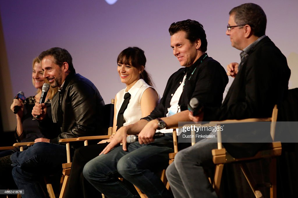 Actress Nancy Carell writer/director/producer Steve Carell actress Rashida Jones actor Hayes MacArthur and producer Ira Ungerleider speak onstage at...