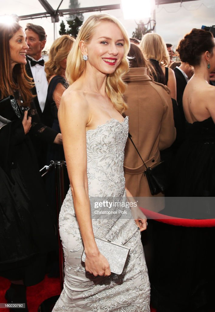 Actress <a gi-track='captionPersonalityLinkClicked' href=/galleries/search?phrase=Naomi+Watts&family=editorial&specificpeople=171723 ng-click='$event.stopPropagation()'>Naomi Watts</a> attends the 19th Annual Screen Actors Guild Awards at The Shrine Auditorium on January 27, 2013 in Los Angeles, California. (Photo by Christopher Polk/WireImage) 23116_012_0521.jpg